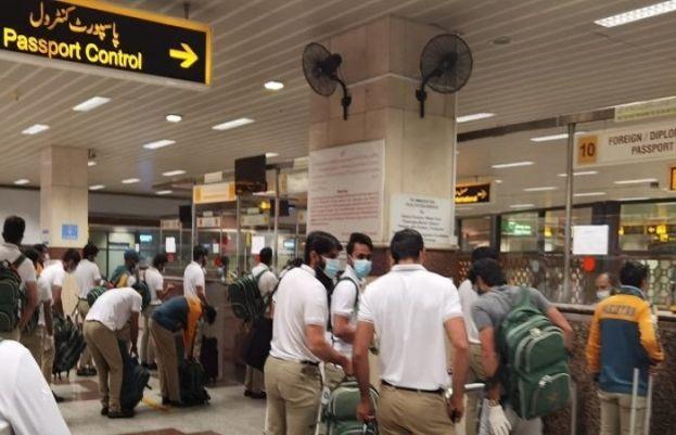 پاکستان کرکٹ ٹیم زمبابوے سے لاہور پہنچ گئی