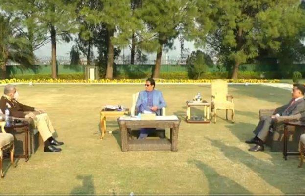 وزیراعظم عمران خان سے آرمی چیف جنرل قمر جاوید باجوہ نے ملاقات کی