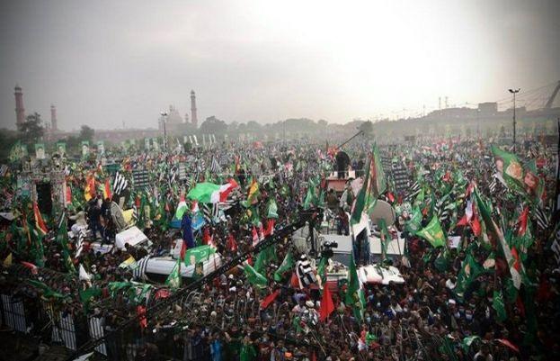 پی ڈی ایم کا جلسہ، قافلوں کی مینار پاکستان آمد کا سلسلہ جاری