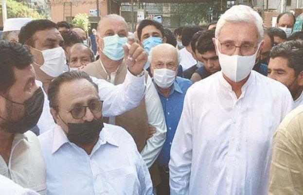 پاکستان تحریک انصاف  کے ناراض رہنما جہانگیر خان ترین اور دیگر ممبران اسمبلے