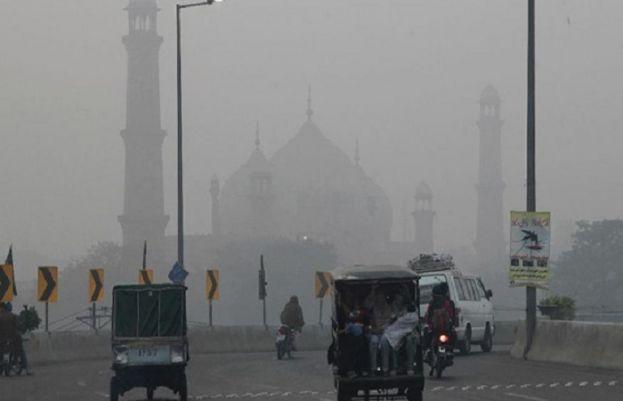 لاہور کی فضا دنیا کے بڑے شہروں میں سب سے زیادہ آلودہ قرار