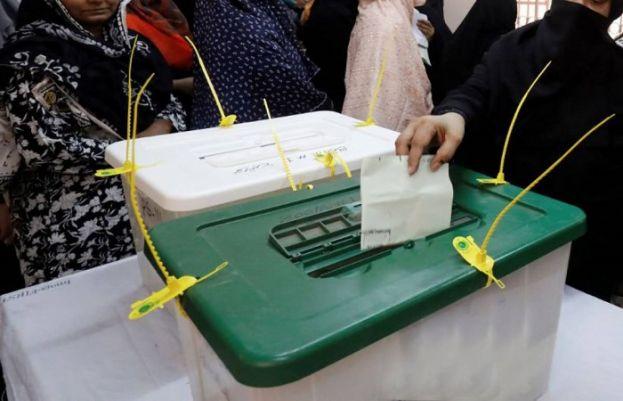 خوشاب کے حلقہ پی پی 84میں ضمنی انتخاب کی پولنگ جاری