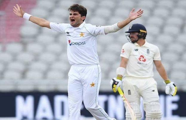 پاکستان اور انگلینڈ کے درمیان دوسرا ٹیسٹ میچ میں چوتھے روز کا کھیل جاری ہے۔