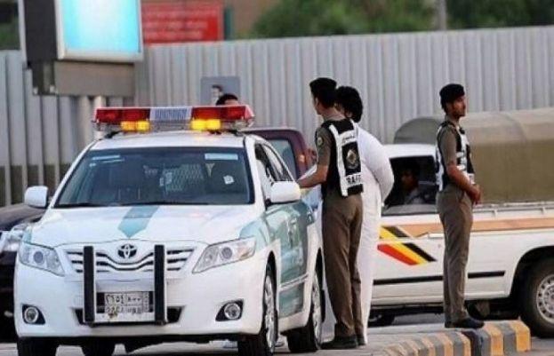 محکمہ  ٹریفک  پولیس نے انتہائی تیز رفتاری سے گاڑی چلانے والے سعودی کو گرفتار کرلیا