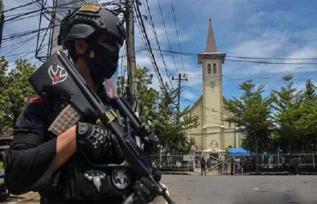 انڈونیشیا میں چرچ کے باہر دھماکے