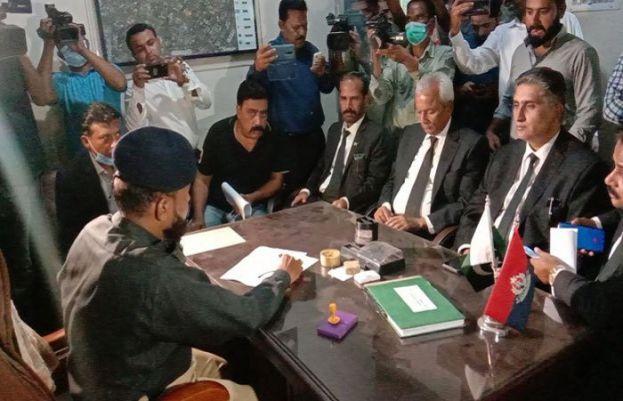 آئی جی سندھ کا مبینہ اغوا، ن لیگ نے وفاق کیخلاف مقدمے کی درخواست دے دی