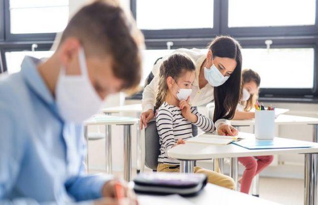 یورپی ممالک میں کورونا کی وجہ سے کئی ماہ سے بند اسکولز کھول دیے گئے۔