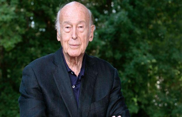 سابق فرانسیسی صدر گسکارڈ ڈی اسٹیننگ کورونا کے باعث انتقال کر گئے