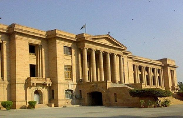 نیب نے شاہد خاقان عباسی کی زبان بند کرانے کے لئے ریفرنس بنایا، سندھ ہائیکورٹ