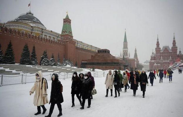 ماسکو میں تین روز سے جاری برفباری نے 50 سالہ ریکارڈ توڑ دیا