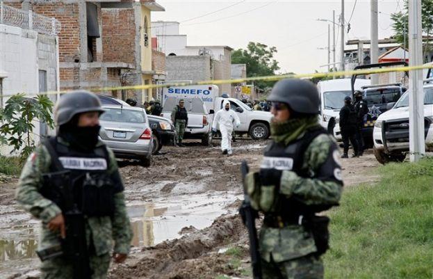 میکسیکو میں مسلح افراد نے جنازہ گاہ پر دھاوال دیا