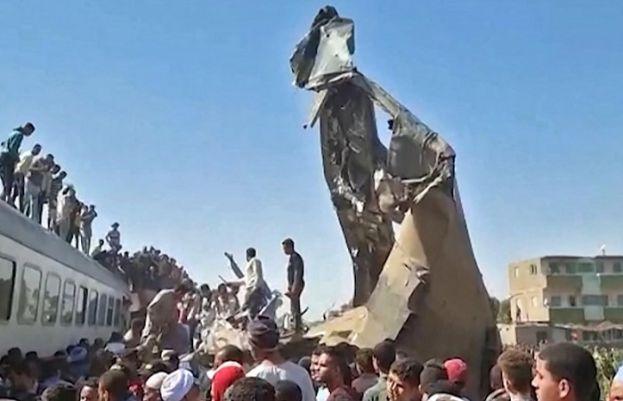 مصر میں دو ٹرینیں ٹکرانے سے 32 افراد جاں بحق ہو گئے