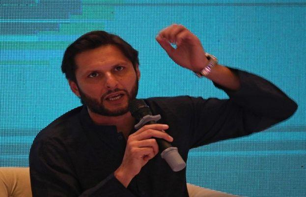 شاہد آفریدی بھی حکومت کے خلاف میدان میں، استعفی کے مطالبہ کر دیا