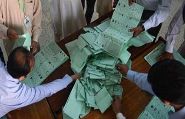 این اے 249: ووٹوں کی دوبارہ گنتی شروع،  پیپلزپارٹی کے سوا تمام جماعتوں کا بائیکاٹ
