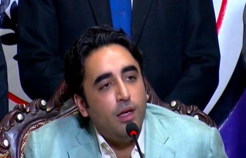 عمران خان عوام کے لیے ناقابل برداشت ہوچکے ہیں: بلاول زرداری