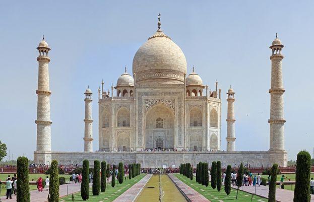 بھارتی حکومت نے 6 ماہ سے بند تاج محل کو سیاحوں کے لیے کھول دیا گیا