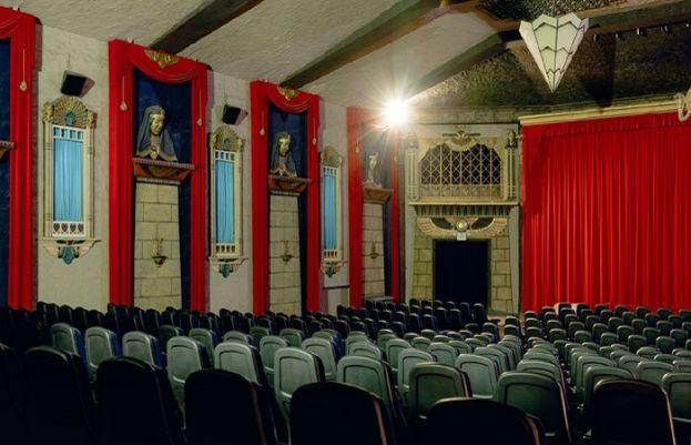 سنیما ہالز اب ایک بار پھر کھلنے لگے