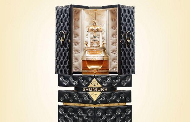 دبئی میں دنیا کا مہنگا ترین پرفیوم 'شاہ مکھ' خریداری کے لیے رکھ دیا گیا ہے